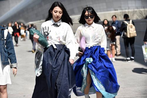 Choáng vì độ sành điệu của nhóc tì tại Seoul FW - 17