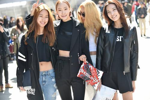 Choáng vì độ sành điệu của nhóc tì tại Seoul Fashion Week - 22