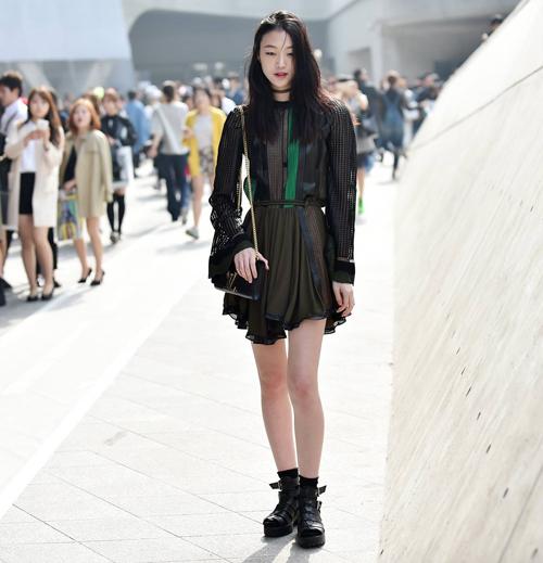 Choáng vì độ sành điệu của nhóc tì tại Seoul Fashion Week - 26