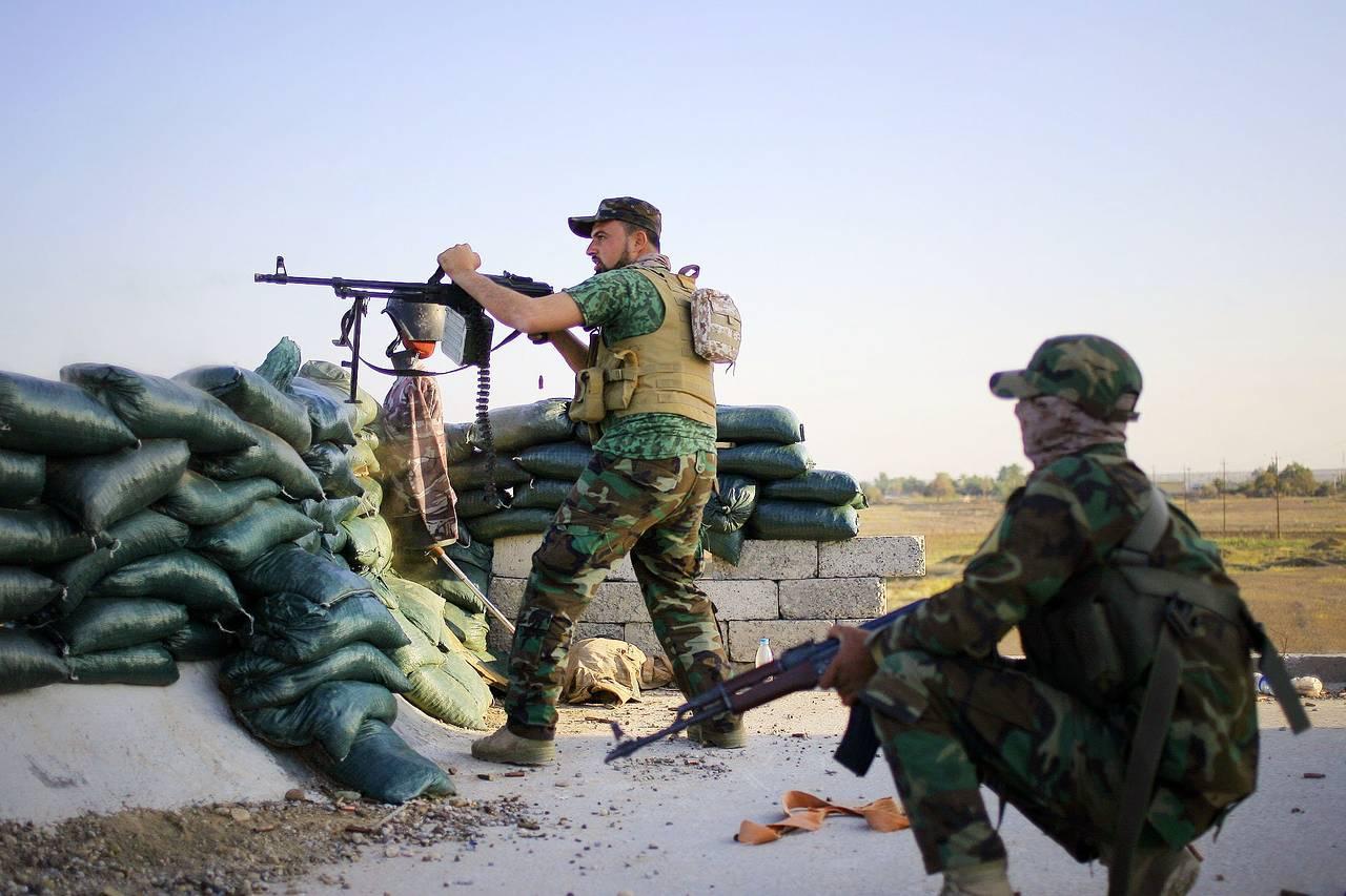 Mỹ ra tay gỡ thế bí cho lính Iraq tấn công IS - 1