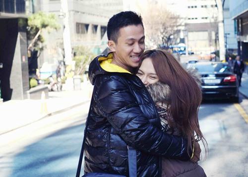 Hương Giang Idol hôn đắm đuối bạn trai ở Hàn Quốc - 5