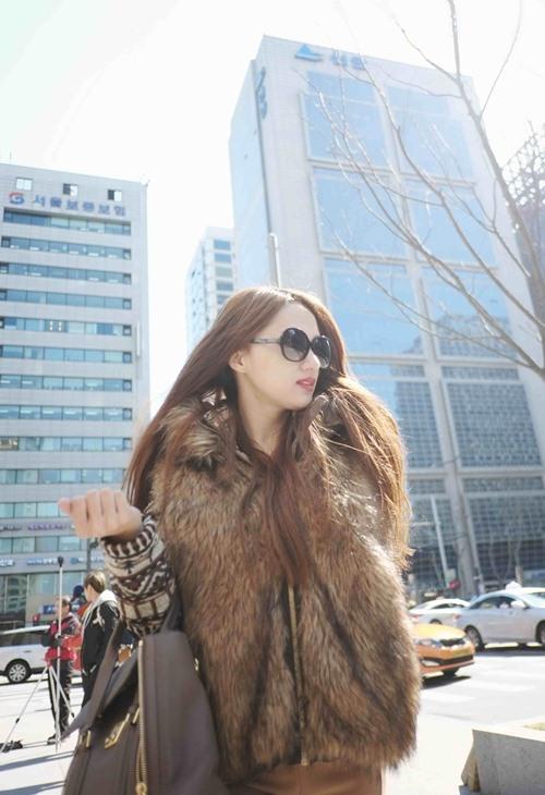 Hương Giang Idol hôn đắm đuối bạn trai ở Hàn Quốc - 6
