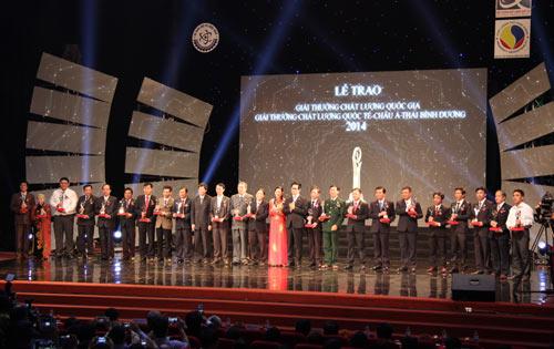 Phong Tê thấp Bà Giằng vinh dự nhận giải thưởng chất lượng Quốc gia 2014 - 1