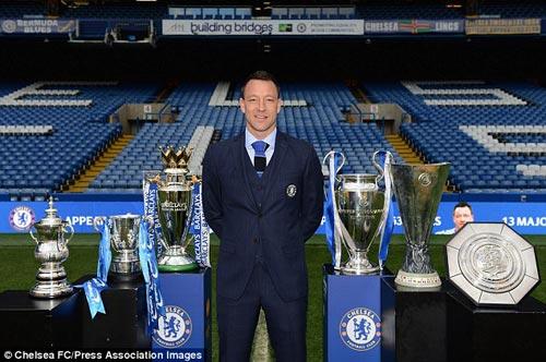 Chelsea giữ chân Terry: Bài học từ Lampard và Drogba - 1