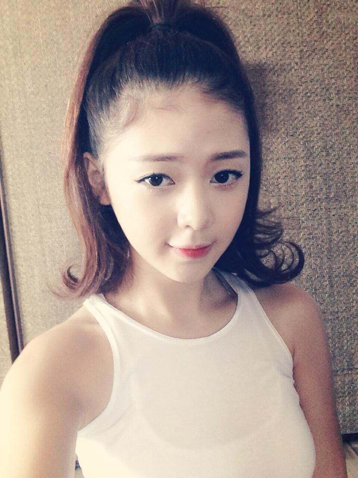 Cô gái xinh đẹp hát rap của Sơn Tùng M-TP cực hay - 9