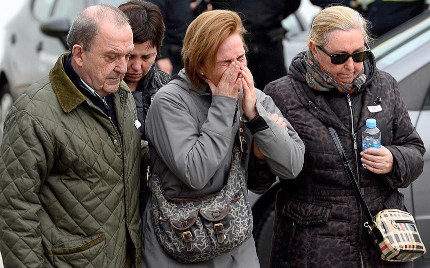 """Người nhà nạn nhân A320: Từ bình tĩnh đến """"""""hóa điên"""" - 1"""