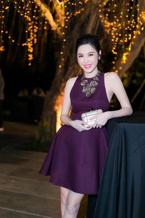 Bà xã Đăng Khôi xinh đẹp nổi bật - 2