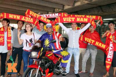 U23 Malaysia - U23 VN: Ngỡ ngàng Công Phượng - 11