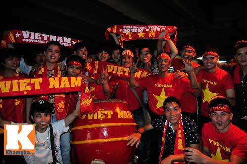 U23 Malaysia - U23 VN: Ngỡ ngàng Công Phượng - 34