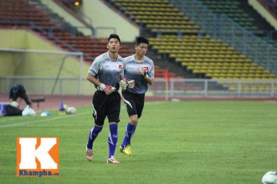 U23 Malaysia - U23 VN: Ngỡ ngàng Công Phượng - 13