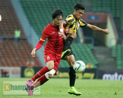 U23 Malaysia - U23 VN: Ngỡ ngàng Công Phượng - 18