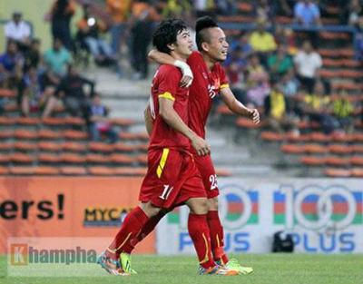 U23 Malaysia - U23 VN: Ngỡ ngàng Công Phượng - 21