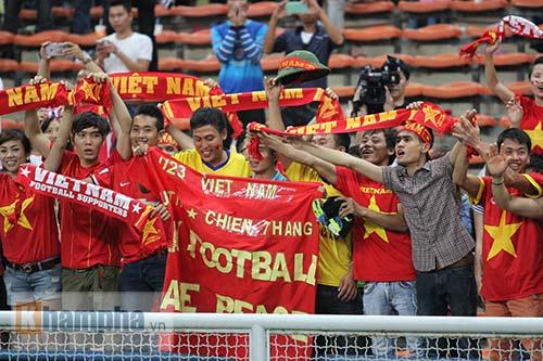 """Thắng trận đầu, Công Phượng & U23 VN """"tưng bừng nhảy múa"""" - 10"""