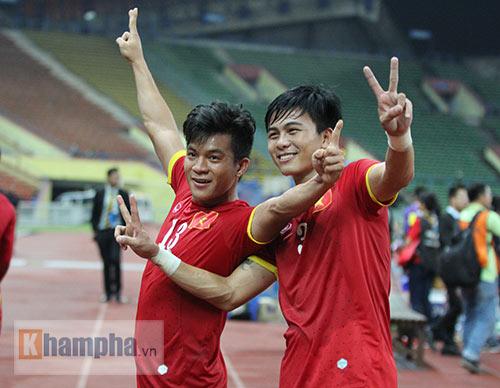 """Thắng trận đầu, Công Phượng & U23 VN """"tưng bừng nhảy múa"""" - 12"""