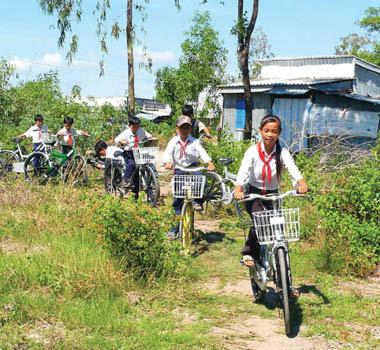Xe đạp - người bạn đồng hành cùng tuổi thơ của bé - 1