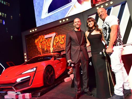 Jason Statham bảnh bao trên thảm đỏ Fast & Furious - 10