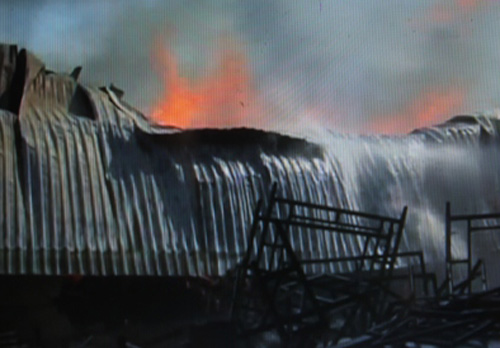 Cháy kho vải, Bến Tre xin cứu viện từ TPHCM, Tiền Giang - 1