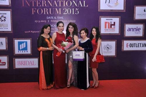 Annie đồng hành cùng Diễn đàn Nữ lãnh đạo quốc tế 2015 - 4