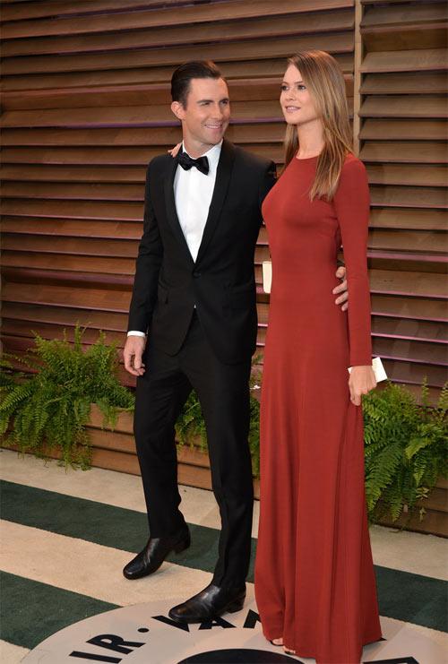 Ghen tị với độ đẹp đôi của Behati và Adam Levine - 8