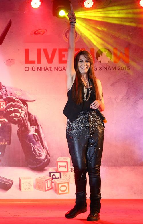 Muôn kiểu mặc xấu của nghệ sĩ Việt - 5