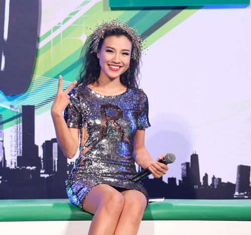 Muôn kiểu mặc xấu của nghệ sĩ Việt - 8