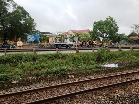 Thương tâm: Hai chị em bị tàu hỏa tông tử vong - 2