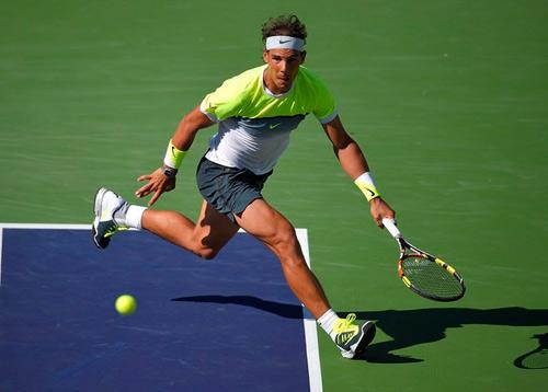 """Hot shot: Nadal tung cú thuận hình """"quả chuối"""" - 1"""