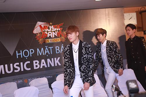 EXO nói tiếng Việt, Sistar hát Hello Việt Nam - 4