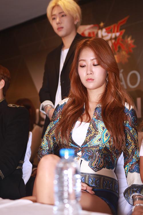 EXO nói tiếng Việt, Sistar hát Hello Việt Nam - 9