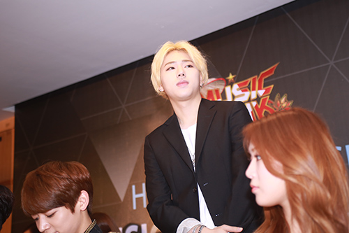 EXO nói tiếng Việt, Sistar hát Hello Việt Nam - 12