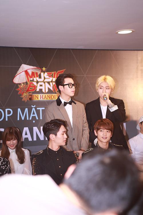 EXO nói tiếng Việt, Sistar hát Hello Việt Nam - 11