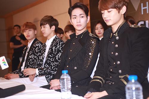 EXO nói tiếng Việt, Sistar hát Hello Việt Nam - 16