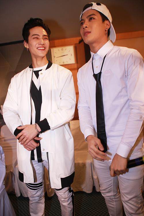 Cận cảnh vẻ đẹp hoàn hảo của Jackson và JB (GOT7) tại HN - 11