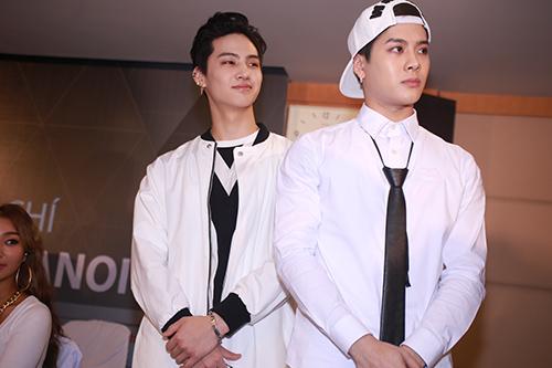 Cận cảnh vẻ đẹp hoàn hảo của Jackson và JB (GOT7) tại HN - 9