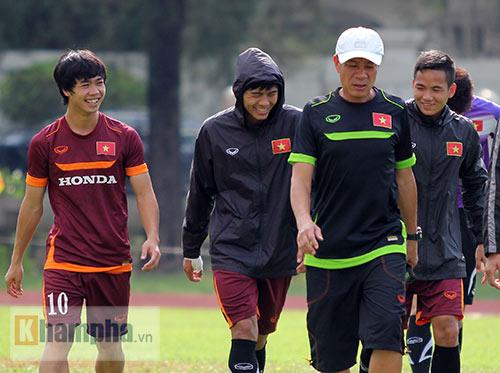"""U23 Việt Nam – U23 Nhật Bản: Đón """"bão"""" ở Shah Alam - 1"""
