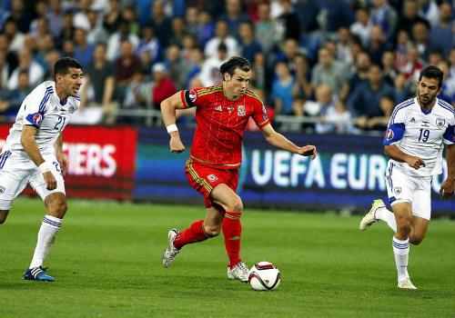 """Bale """"lên đồng"""", Xứ Wales thẳng tiến Euro 2016 - 1"""