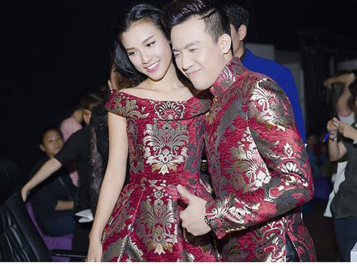 """MC Hoàng Oanh xinh đẹp như nàng """"Lọ Lem"""" - 4"""