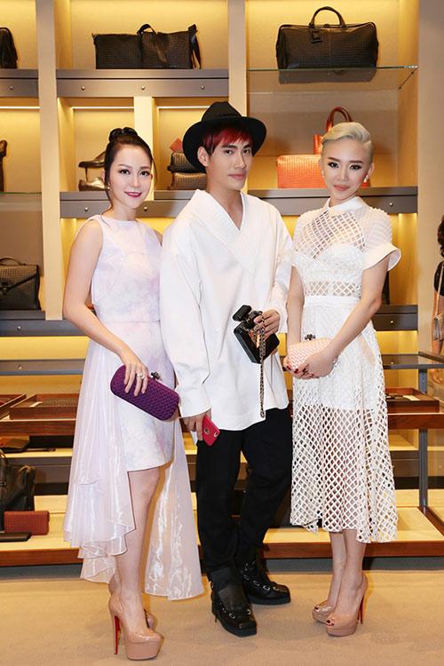 Tóc Tiên nổi bật với váy xuyên thấu, tóc bạch kim - 3