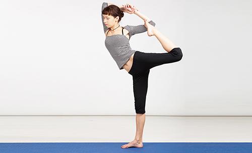 10 bài tập yoga giúp vòng 3 tròn chắc - 5