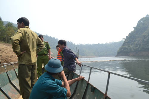 Tìm thấy thi thể vợ chồng mất tích trên hồ thủy điện - 1