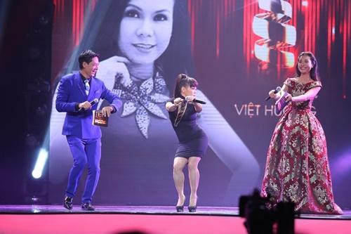 """Việt Hương cover """"Vũ điệu cồng chiêng"""" của Tóc Tiên - 2"""