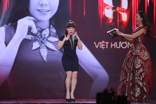 """Việt Hương cover """"Vũ điệu cồng chiêng"""" của Tóc Tiên - 1"""