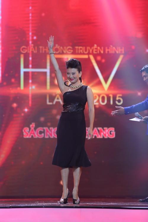 """Việt Hương cover """"Vũ điệu cồng chiêng"""" của Tóc Tiên - 6"""