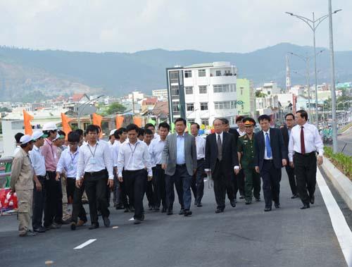 Chính thức thông xe cầu vượt 3 tầng đầu tiên ở Việt Nam - 2