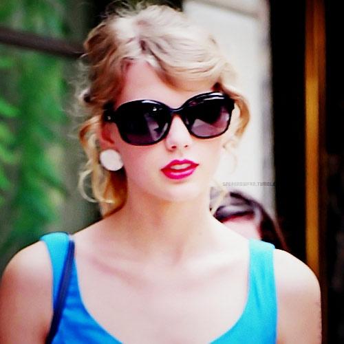 Thiếu nữ nổi tiếng vì giống hệt Taylor Swift - 2