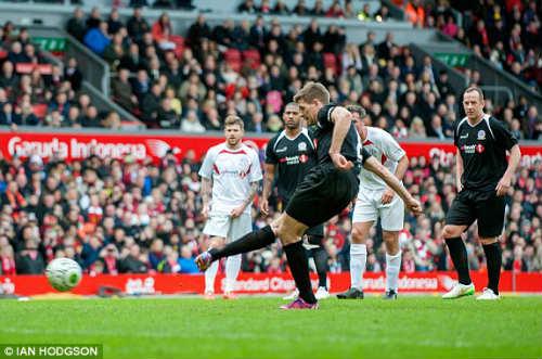 Dàn sao tụ hội, đá trận Liverpool tri ân Gerrard - 1