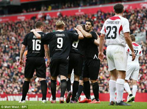 Dàn sao tụ hội, đá trận Liverpool tri ân Gerrard - 10