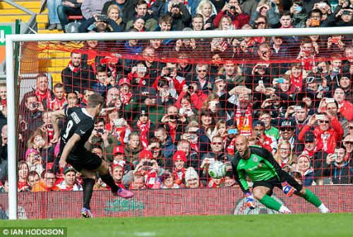 Dàn sao tụ hội, đá trận Liverpool tri ân Gerrard - 7