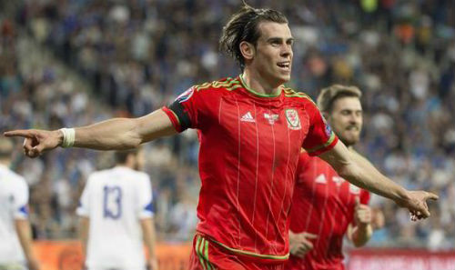 Tỏa sáng ở ĐT xứ Wales, Bale phản pháo CĐV Real - 1