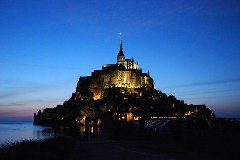Hàng ngàn người đổ về Pháp xem 'thủy triều thế kỷ' - 5